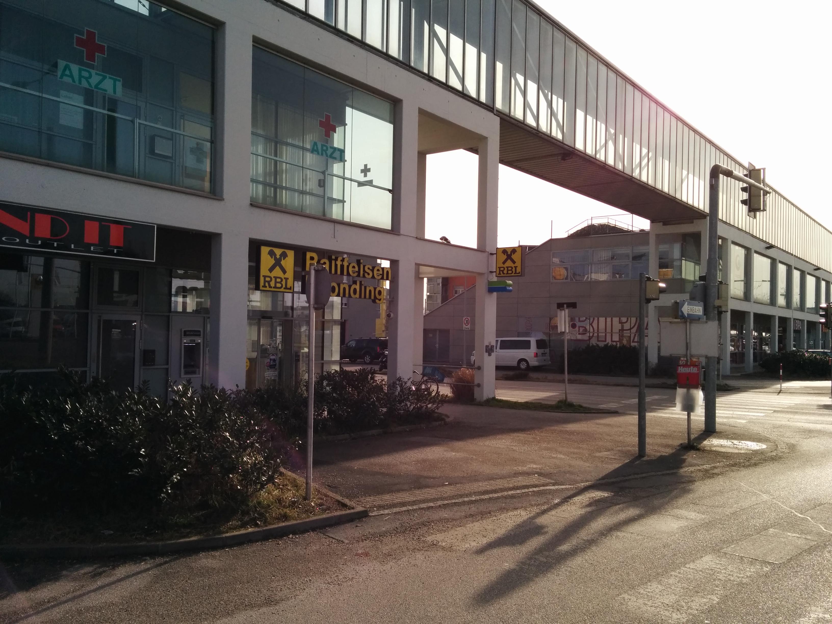 Raiffeisenbank Leonding registrierte Genossenschaft mit beschränkter Haftung  Zws. Wohnen im Park
