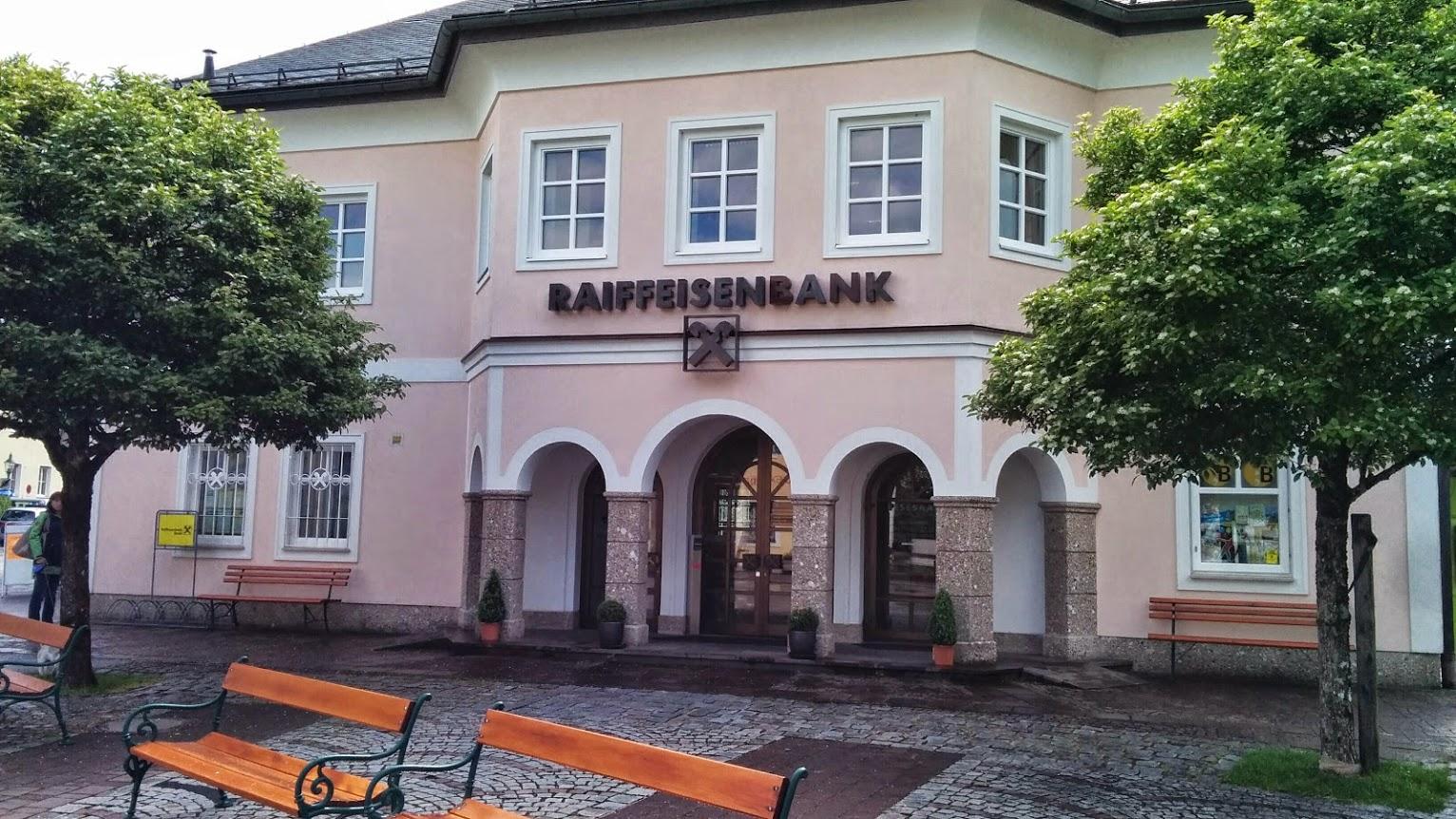 Raiffeisenbank St. Gilgen-Fuschl-Strobl reg. Gen. m. b. H. Zws. Strobl